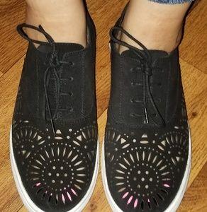 Black keds